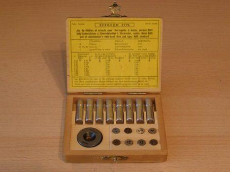 Furat és menetkészítés eszközei az órásműhelyben