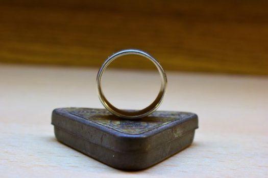 Egy szürreális ezüst medál készítése