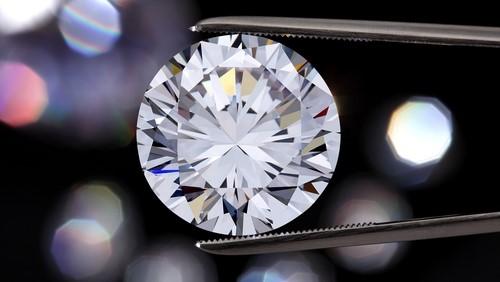 Kamu és gyémánt, avagy egy régi barátság emlékére