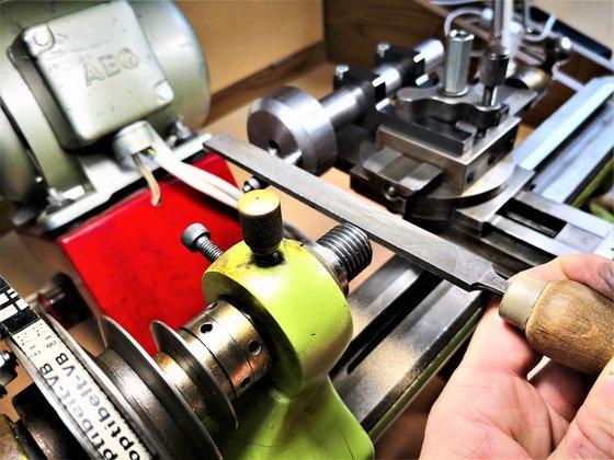 Az ingaóra motortengelyének készítése