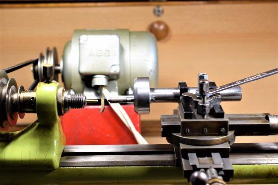A reszelővezető adapter felszerelése