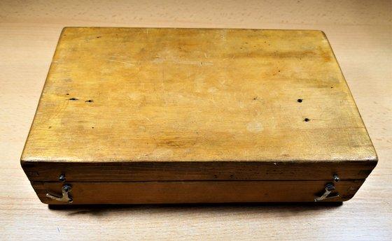 Alapanyagtároló doboz