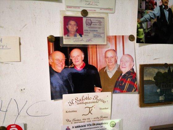 Négy testvér egy fotón