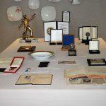 Az árverésre kínált relikviák (fotó forrása: Szabad Föld, Kállai Márton)