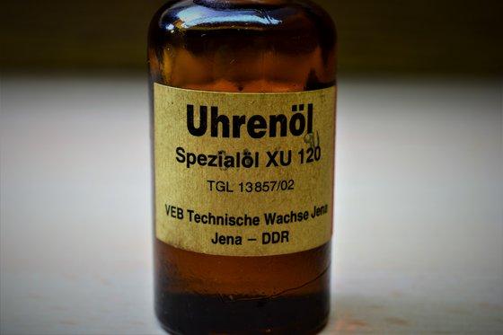 Speciális kenőanyag óraszerkezetekhez. Made in DDR
