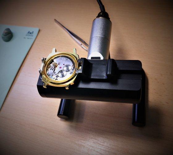 Az óraszerkezet beszabályzása mérés közben