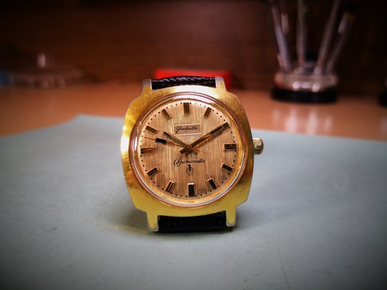 Glashütte Q1 Chronometer Cal: 70.3 kopott óratokban